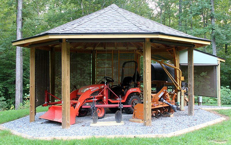 Project Octagonal Tractor Shed
